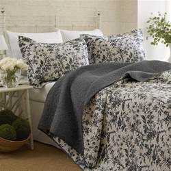 Quilts And Coverlets King Size Reversible Coverlet Set Quilt And 2 Shams Floral White