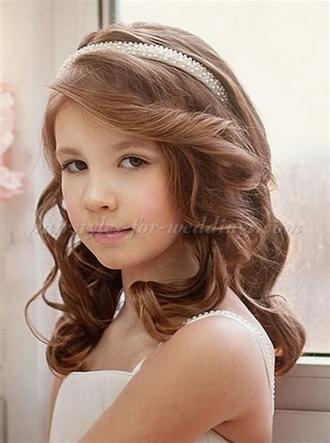 Flower Hairstyles With Headband by Flowergirl Hairstyles Flower Hairstyle With