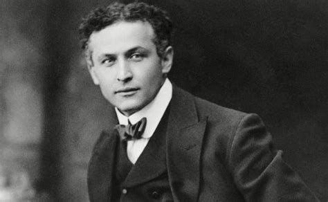 Harry Houdini Also Search For Dean Parisot In Harry Houdini Biopic Talks News Digital
