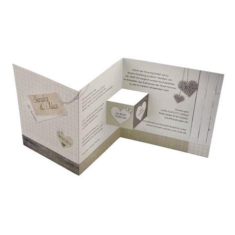 Einladungskarten Hochzeit Holzoptik by Hochzeitseinladung Quot Prisca Quot In Holzoptik Weddix De