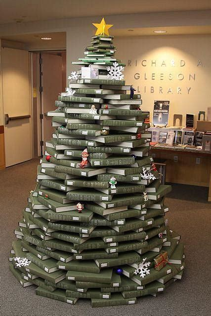 a book lover s christmas tree the decorologist