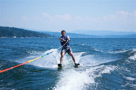 water skiing boat safety waterski