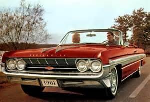 Pontiac Starfire 1961 Oldsmobile Starfire Review Specs Collectibility