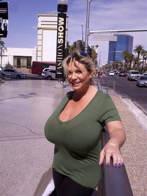 Claudia Marie At The Fashion Show Mall In Vegas On The