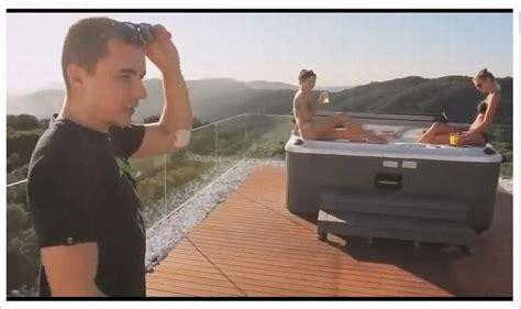 la piscina pi 249 grande mondo pictures to motogp barcelona le ragazze ombrello pi 249 gp di