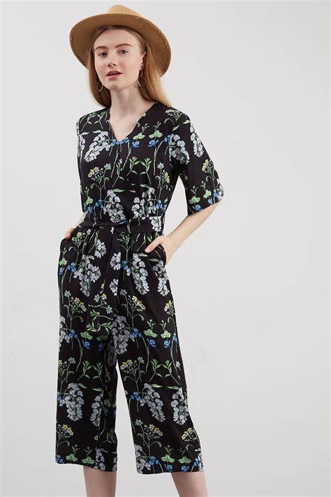 Slingbag Bunga Hitam sell winika floral jumpsuit black jumpsuit berrybenka