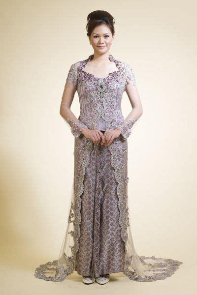 Gaun Pengantin Warna Ivory Wedding Gown Baju Pengantin Import kebaya wedding dress on sale visit www jayakebaya kebaya fashion kebaya modern bridal