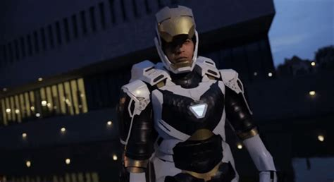 iron man cosplay ready fly kotaku australia