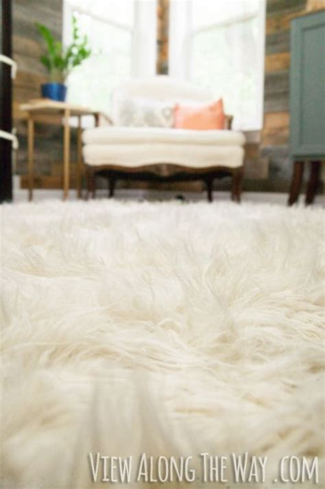 fluffy and cozy winter inspired interiors 20 photos best 20 white fur rug ideas on pinterest white