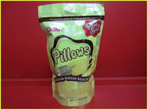 Oishi Pillows by Welcome To Radha Exports