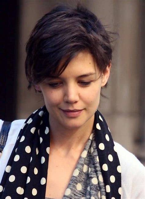 hairstyles for no neck katie holmes short hairstyle feminine pixie cut with