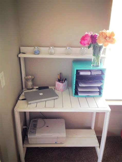 Office Desk Made From Pallets Weekend Project 19 Diy Pallet Desks A Way To Save