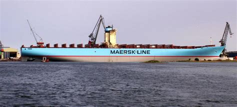 boat shipping line emma maersk container ship vessel tracking