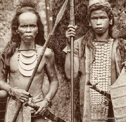 tattoo etnik dayak menjawab tuduhan suku dayak adalah pendatang di kalimantan