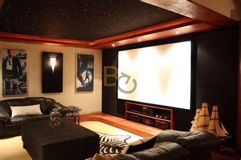 home cinema design tips zestawy do kina domowego projektory panasonic i ekrany