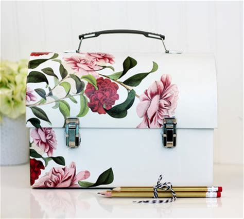 Decoupage Desk Top - stunning decoupaged desktop lunch box allfreepapercrafts