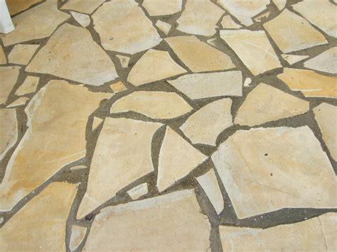 le type de pierre utilisee sera du calcaire tendre le travail se image dallage calcaire jpg