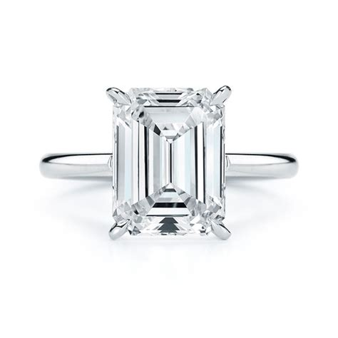kwiat style 17703e signature floating basket emerald cut