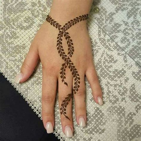 leaf inspired simple mehndi designs threads