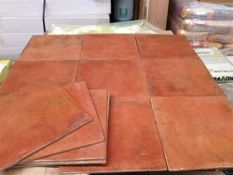 piastrelle per esterno antiscivolo pavimenti gres tipo cotto rosso esterno antiscivolo