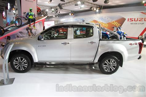 Ktm At Auto Expo 2016 by Isuzu D Max V Cross Side At Auto Expo 2016