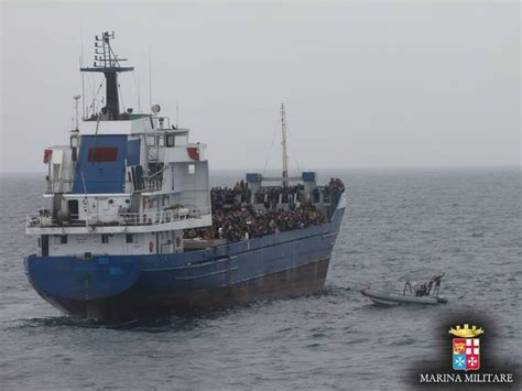 ufficio registro catania la marina militare salva 1300 migranti nel canale di