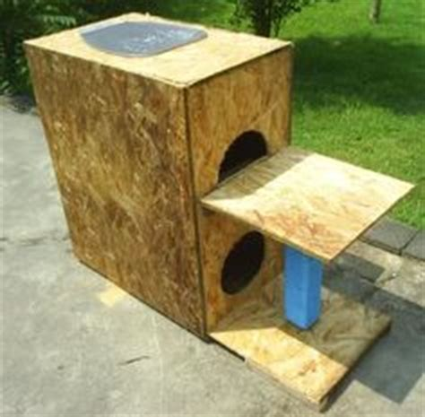 homemade cat house for outside 1000 images about pets on pinterest outdoor cat houses dog house plans and