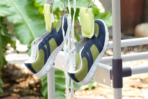 how to clean your running shoes how to clean running shoes footwind