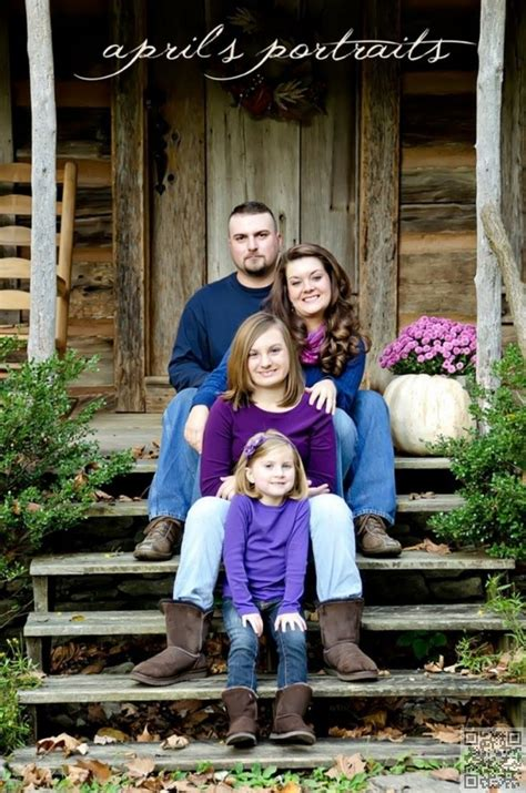 7 Fall Photo Poses by 25 Best Ideas About Fall Family Photos On