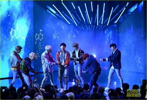 bts american music awards bts rocks the amas 2017 with dna performance video