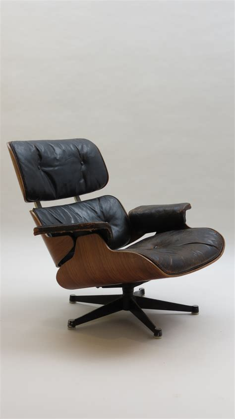 Eames Lounger And Ottoman by Eames Lounger And Ottoman 670 And 671 Decorative Modern