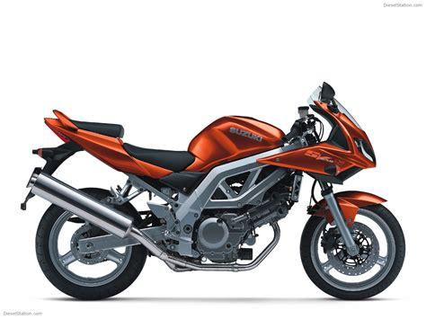 Suzuki Sport Motorcycle Suzuki Sport Bikes 2003 Bike Photo 023 Of 23