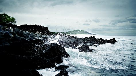 Crashing On The by Waves Crashing On Rock Wallpapers