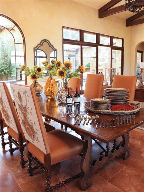 italian dining room  rustic style  house