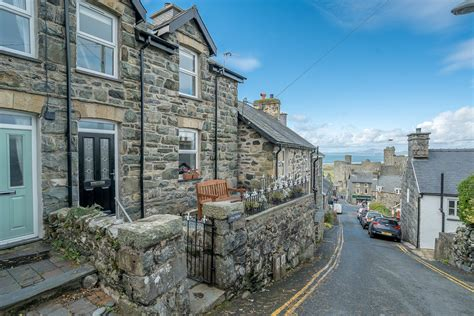 Harlech Cottages by Harlech Cottage With Sea Views Fron Hyfryd