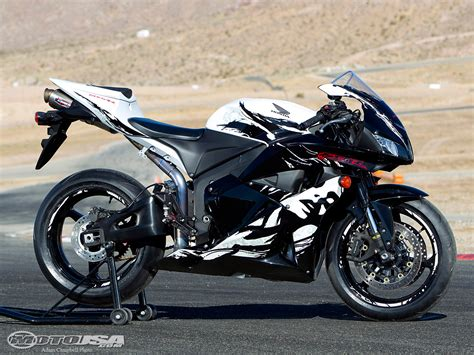 2010 honda cbr 600 2010 honda cbr600rr modified comparison photos