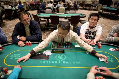poker tables  decreasing  nevada casino floors las
