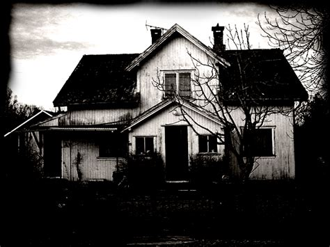 creepy house creepy house by kaoticum on deviantart