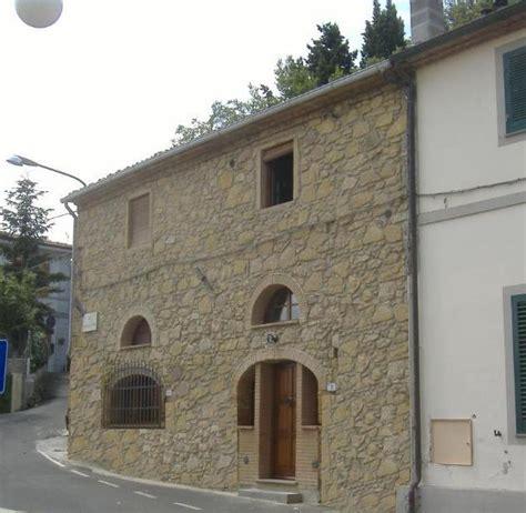 Prospetti In Pietra by Restauro Prospetto Di Una Vecchia Casa Con Archi