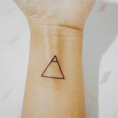 tattoo meaning explore tatuajes minimalistas con grandes significados cultura