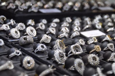 3 places to buy jewelry except jewelry stores