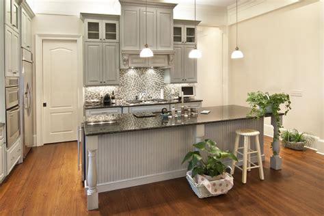 witte gordijnen grijs verven landelijke keukens fotospecial 20 inspirerende keukens