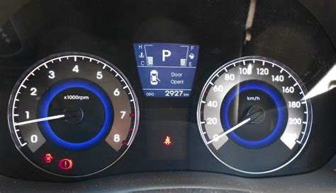 hyundai accent warning lights how to report traffic