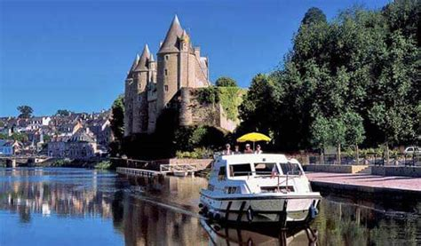inland waterway boat rentals france boating holidays on french canals and rivers