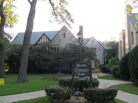The Community House by File Winnetka Community House Jpg Wikimedia Commons