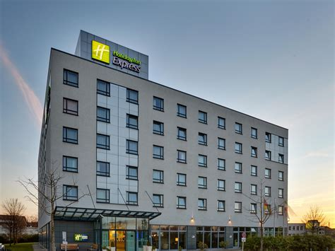 express dã sseldorf city centre derendorf heinrichstra 223 e hotel inn express