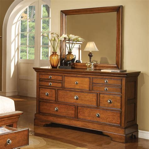 king panel bedroom set in light brown finish 10887