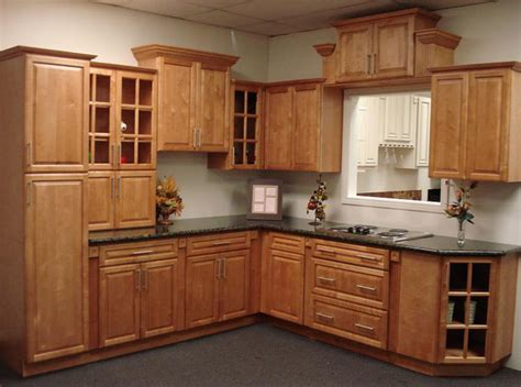 cinnamon maple kitchen cabinets home design traditional columbus by cabinets