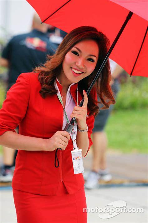 airasia stewardess air asia stewardess at malaysian gp