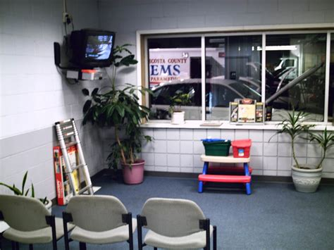 Unipart Garages by Automotive Waiting Room Design Www Imgkid The